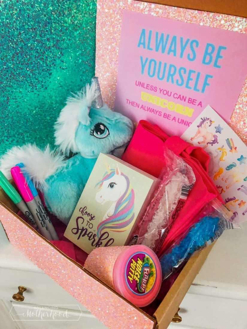 Make this cute unicorn box!