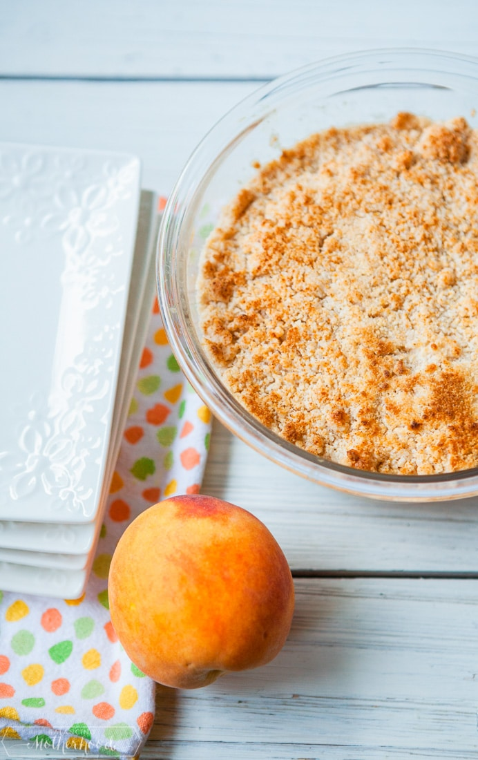 peach cobbler with fresh peach