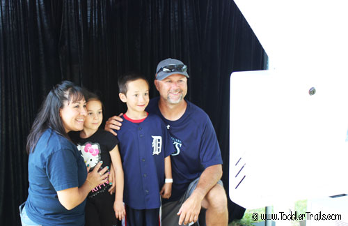 Family photo, Photo Booth, 2 Clicks Photo Booth