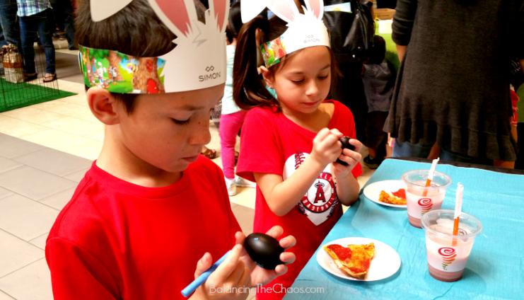 Kidgits Kids Clug Egg Decorating with Jamba Juice