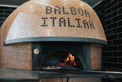 Balboa Italian Restaurant Palm Beach, Pizza Bianche. Photography by Hayley Williamson