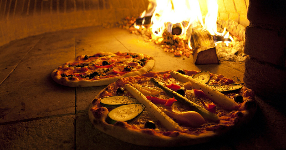 Wood Fire Pizza fom Balboa Italian Restaurant Palm Beach Gold Coast