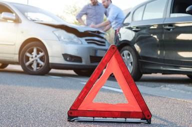 infração de trânsito, acidente com duas pessoas