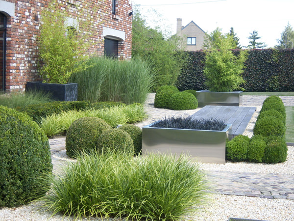 5 essential contemporary garden