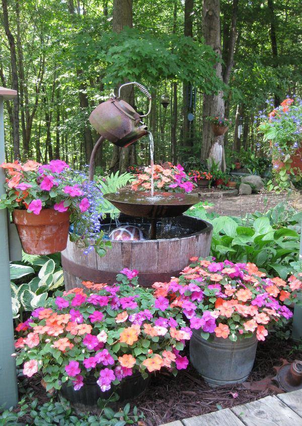 19 Best DIY Garden Ideas Using Kitchen Items & Utensils Balcony