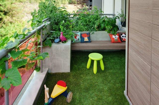 Creative Ideas for Balcony Garden Containers