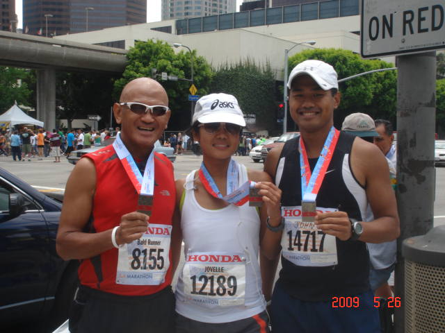 """""""Team Bald Runner-Los Angeles Group"""" Members With Their Finisher's Medal"""