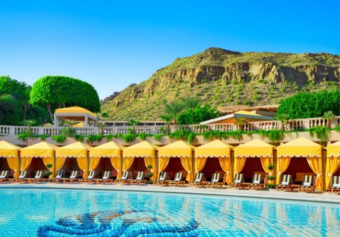 SPG The Phoenician pool