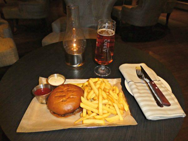 Hilton Stockholm Slussen Eken hamburger