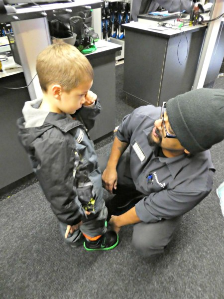 Mammoth Mountain snowboard lessons getting fitted for boots 2000px