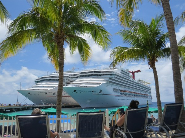 cruise two-2413470_1920