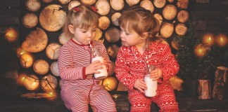 pajamas christmas-kids-1073567_1920