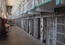prison alcatraz-2161656_1920