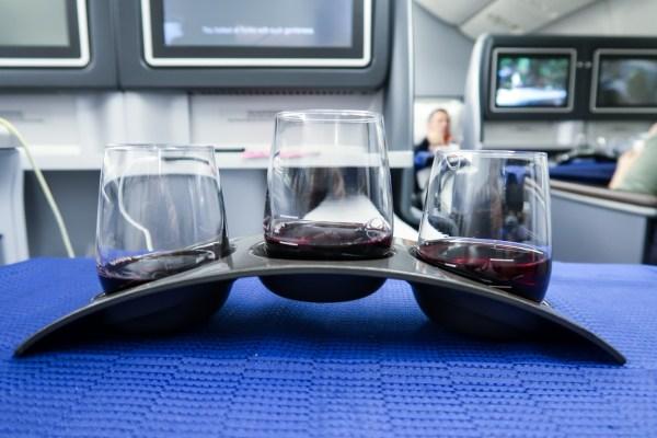 United Airlines Polaris 777-200 wine