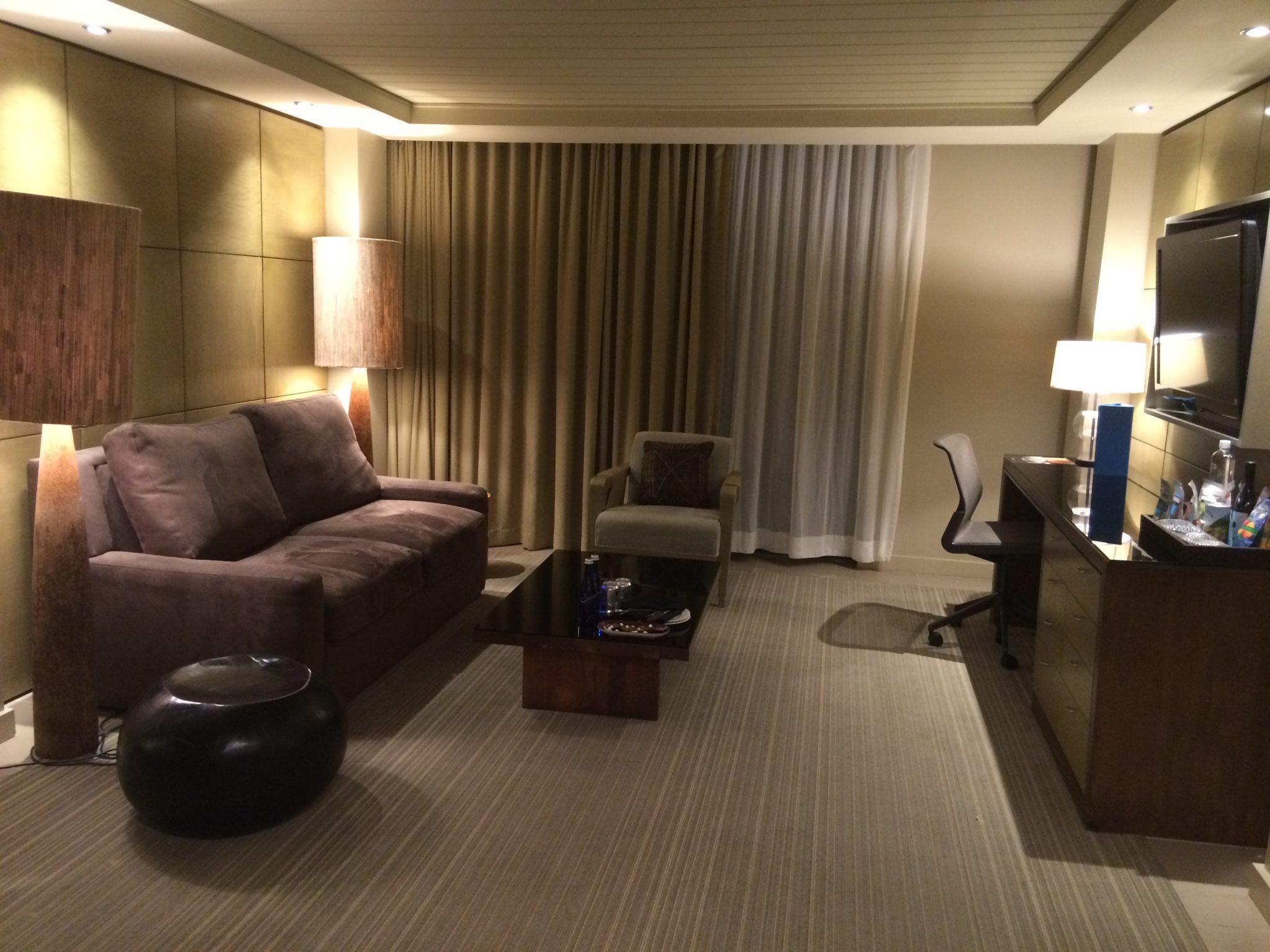 Goodbye kimpton hotel la jolla baldthoughts for Living room la jolla