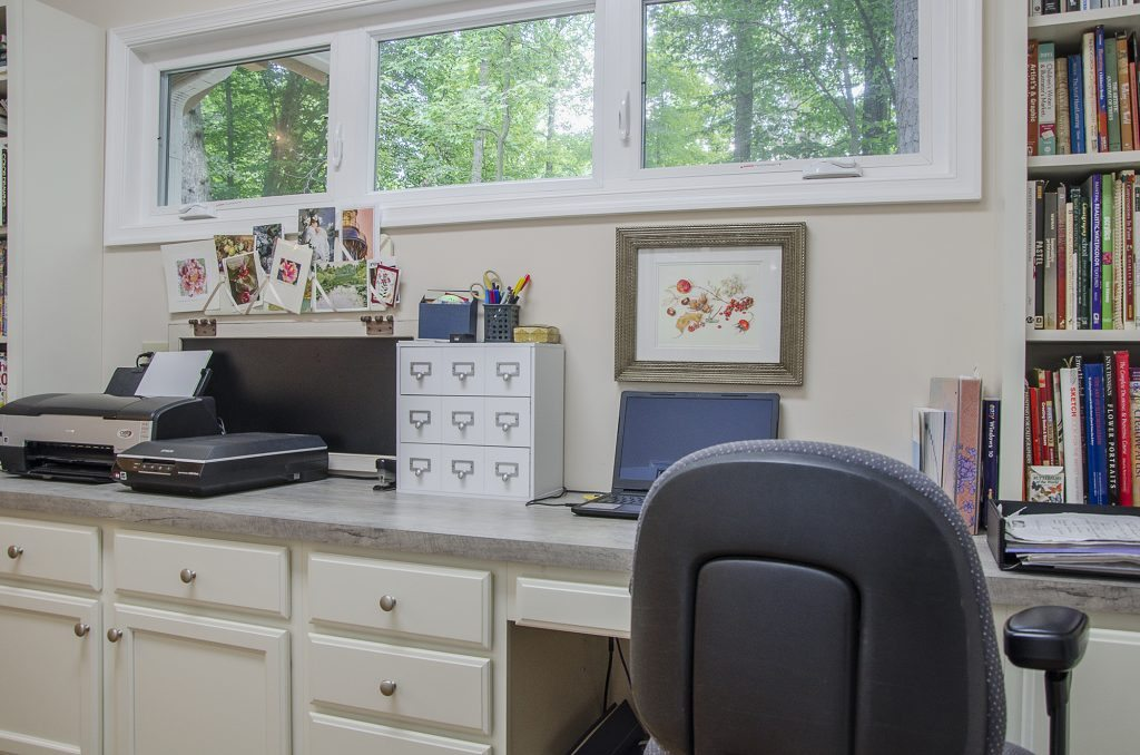 Custom Office by Balducci Additions and Remodeling - Photo: maryjanemorrisphotography.com