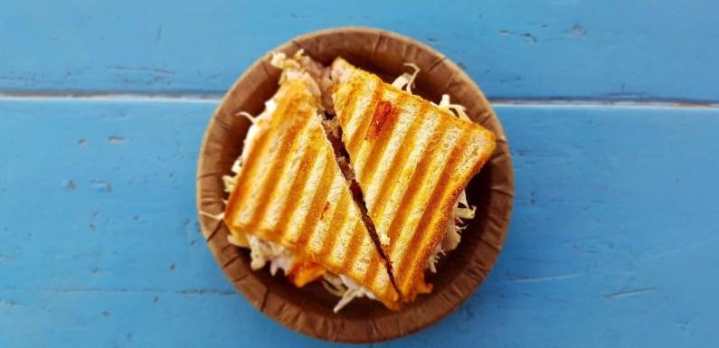 Suatu Pagi, Sepotong Sandwich Membuat Saya (Diam-Diam) Menangis