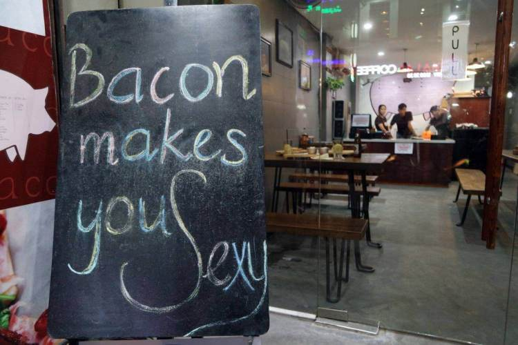 the-hungry-pig-hcmc