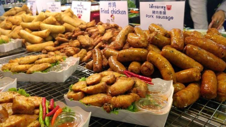 Kemeriahan food stall di Asiatique