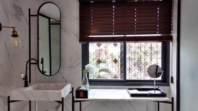 Bathroom ir-on Hotel Bangkok Thailand