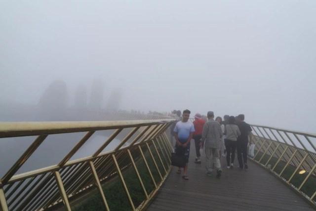 Golden Bridge Ba Na Hills Da Nang
