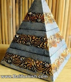 7-pyramid-wood-boxes-bali