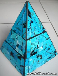 prdbox11-pyramid-box-wood-mosaic-glass-bali