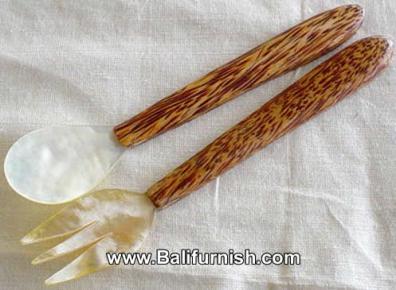 spoon1-21b-sea-shells-wooden-spoon-sets-bali-indonesia
