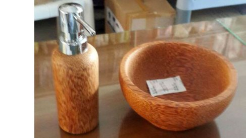 coconut-woood-crafts-indonesia-1