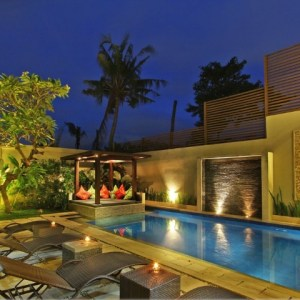 CONTEMPORARY TWO STOREY LEASEHOLD VILLA IN SEMINYAK