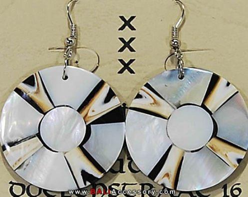 bali-shell-earrings-062-1573-p