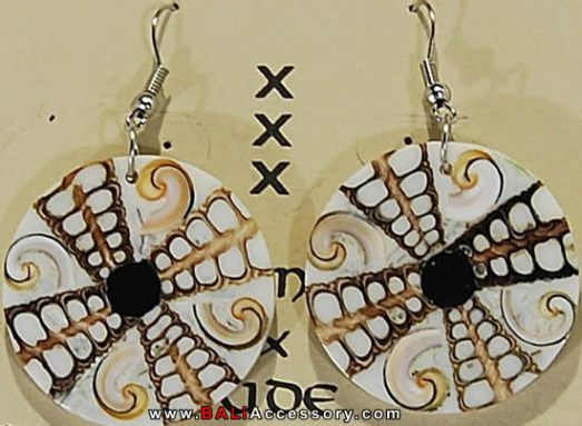 bali-shell-earrings-074-1585-p