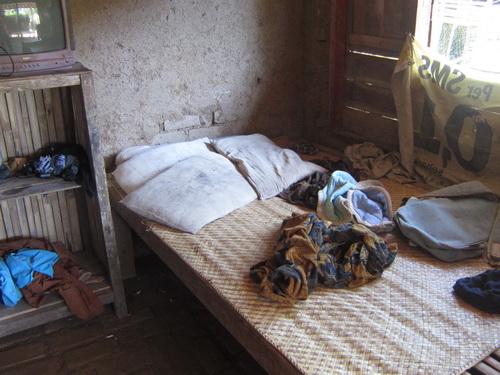 Tempat Tidur Anak Dengan Perosotan