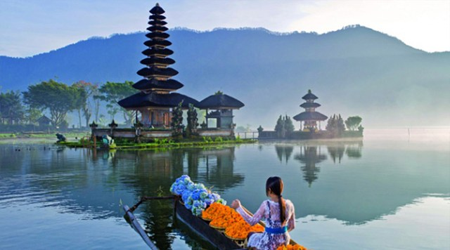Image result for Ulun danu temple