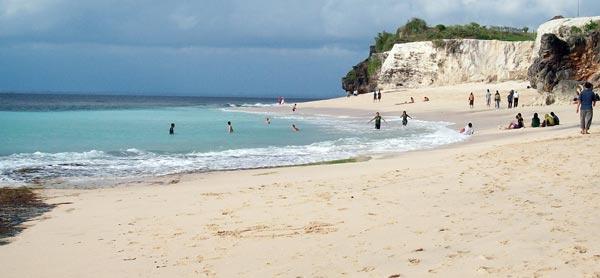 Pantai Dreamland-Bali