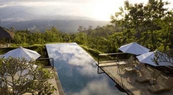 munduk-moding-coffe-plantation-invinity-pool-bali-travel-experiences
