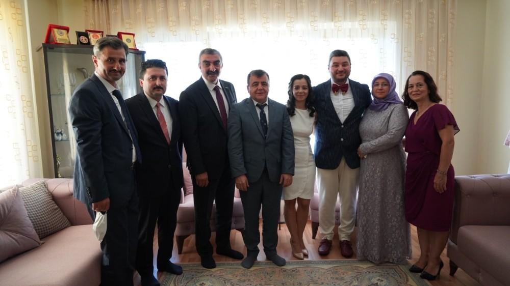 Ak Partili başkan CHP'li başkandan kız istedi