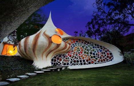 Balikpapanku - curved shell house design