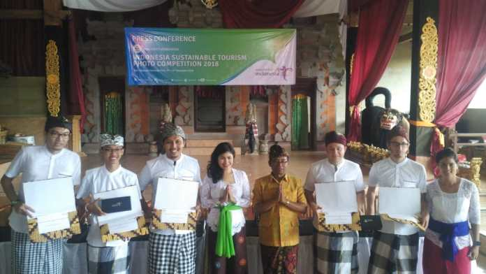 Indonesia Tourism Ministry welcomes winners of ISTPC 2018 to Penglipuran Village, Bangli Regency on Friday.
