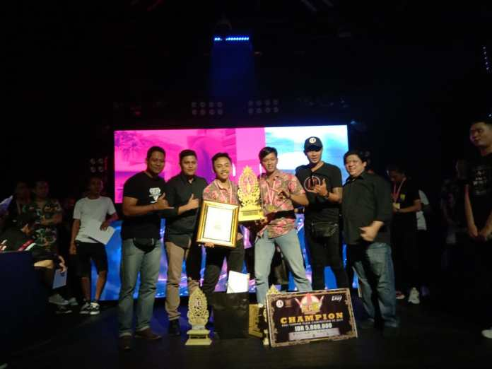Winners of Bali Flair Tandem Competition 2019, at Lxxy, Kuta on Wednesday.