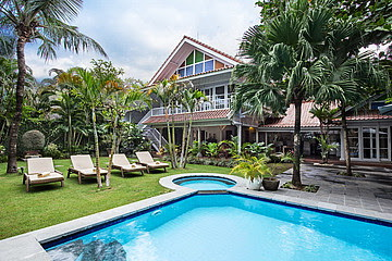 Villa threeBedroom Pool Villa VSEM 135 Seminyak Kuta Bali. What app/mobile +62811398469 , email  ...