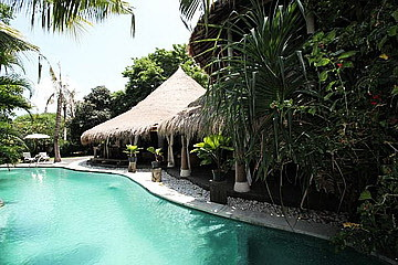 Villa 5Bedrooms for Lease in Canggu Bali