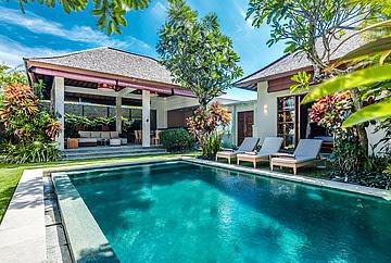 Tree Bedroom Villa for sale Seminyak Bali