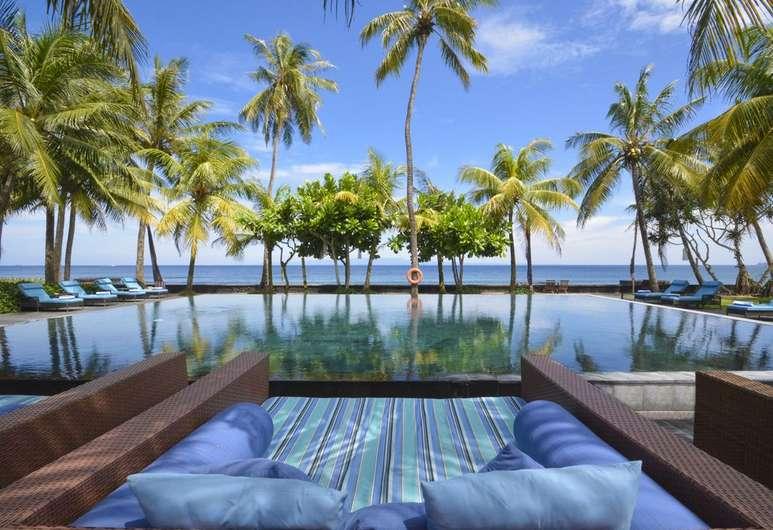Nirwana Beach Resort Candidasa