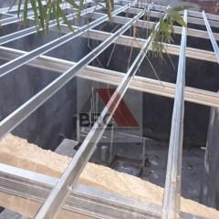 Jarak Reng Baja Ringan Atap Galvalum Kombinasi Kayu Style Bali Roofing