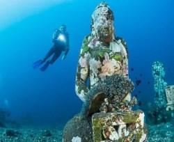 under water budha