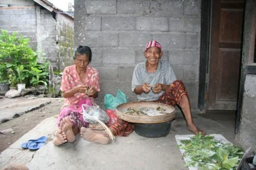 Quotidien le travail des femmes à Culik Bali 3