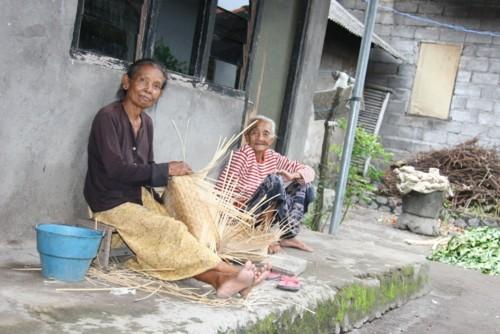 Quotidien le travail des femmes à Culik Bali 4