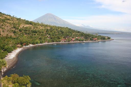 Le Mont Agung depuis la colline à Banyuning, Karangasem, Bali