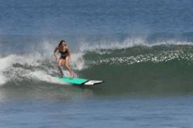 Surf en talons aiguilles à Bali 4